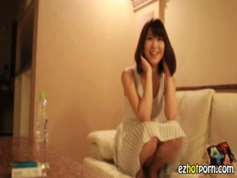 超美少女の個人撮影投稿無料の無臭生動画像
